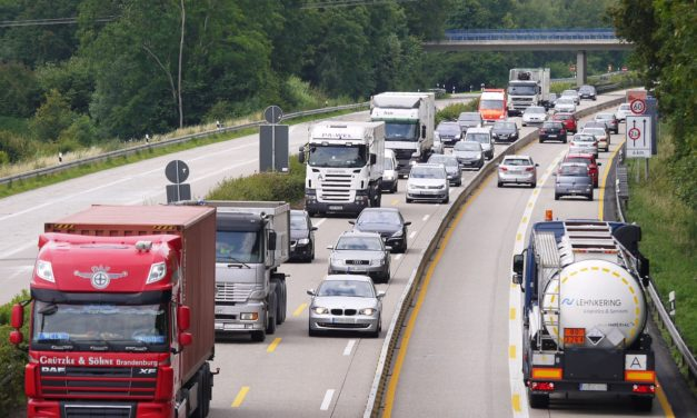 Systemy monitorowania pojazdów – jakie powinny mieć funkcje?