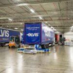 Elvis otwiera platformę ładunków częściowych